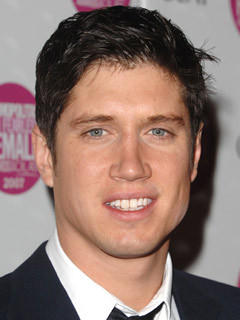 Vernon Kay not on a yacht in Greece
