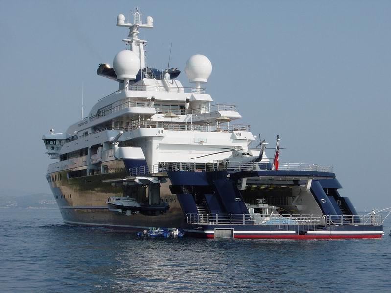 microsoft billionaire paul allen loves luxury yachts. Black Bedroom Furniture Sets. Home Design Ideas