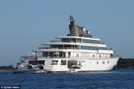 Lurssen mega yacht RISING SUN - Photo by Splash News