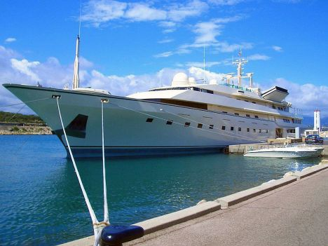 Superyacht Kingdom 5KR