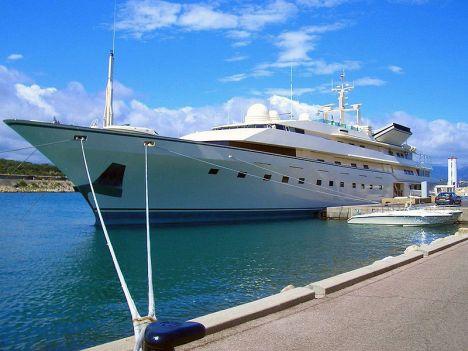 Superyacht Kingdom 5KR