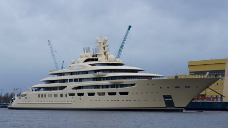 156m mega yacht DILBAR by Lurssen - Photo by DrDuu